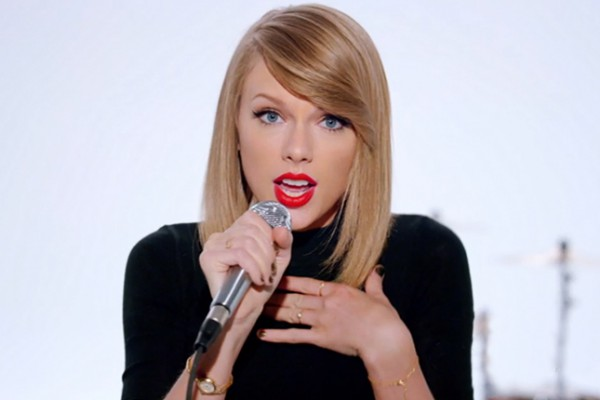 taylor-swift-shake-it-off-video-2-2014-billboard-650